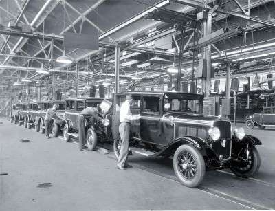 1929 DeSoto assembly line Chrysler Corporation 2