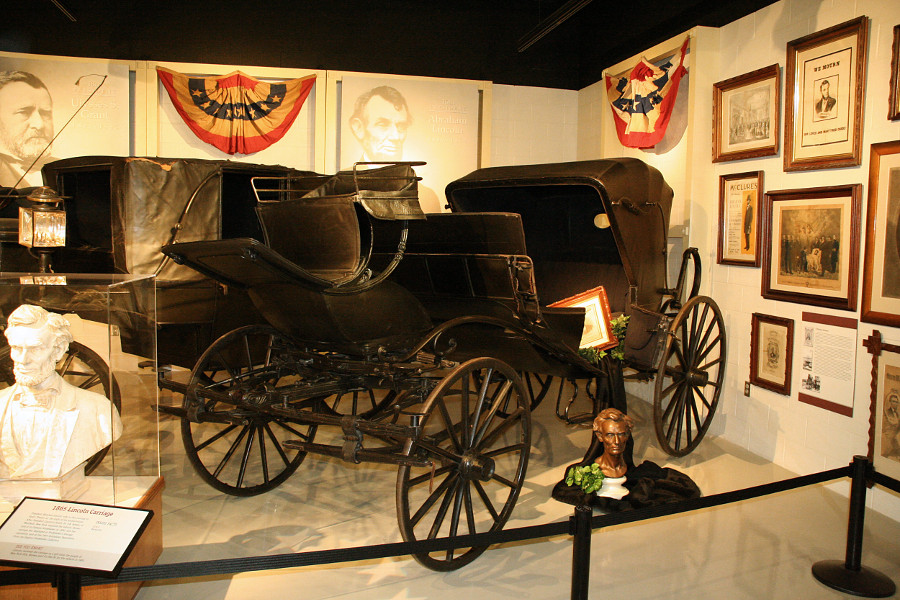 Abraham Lincoln display at the Studebaker Museum Commons Wikimedia RESIZED 2