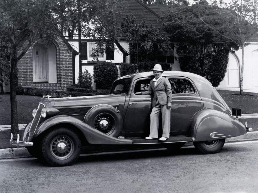 Mickey Rooney with 1934 Studebaker 3 RESIZED